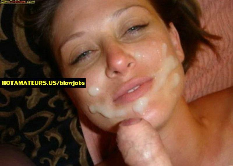 Stripped gf giving oral job and swallowing cumshot : wild non-pro blowjobs and cumshots from JizzPix